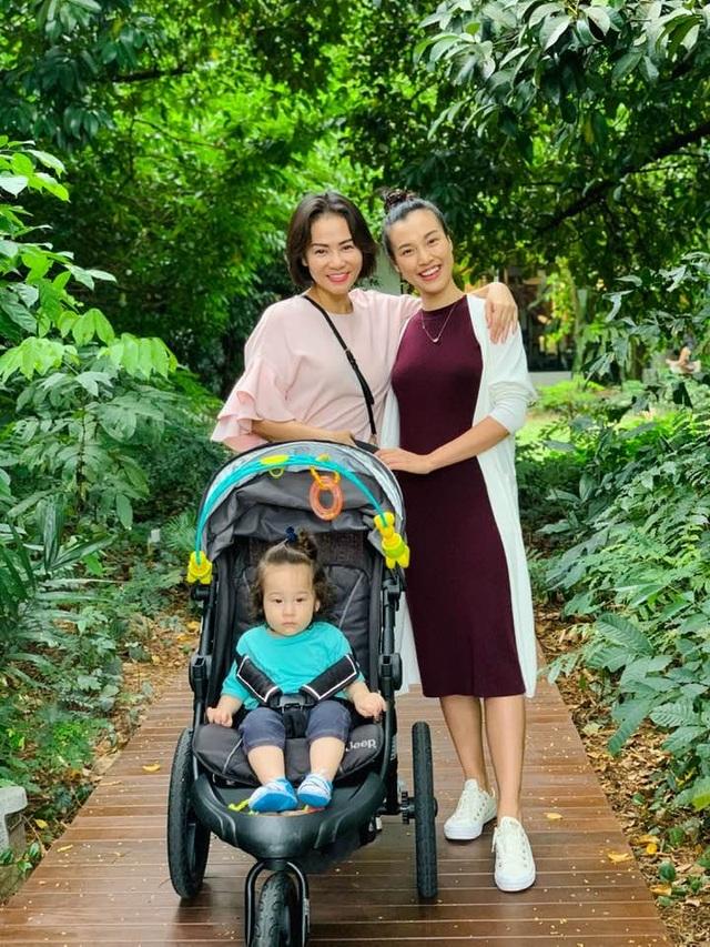 Bà mẹ một con Đàm Thu Trang khoe dáng thon gọn với áo tắm - 6
