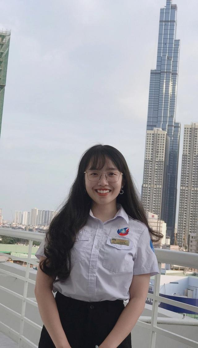 Nữ Chủ tịch Hội Sinh viên tài năng, có nụ cười tỏa nắng - 6
