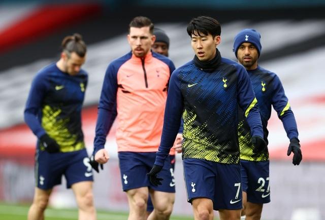 Arsenal 2-1 Tottenham: Lamela lập siêu phẩm Rabona và bị đuổi - 12