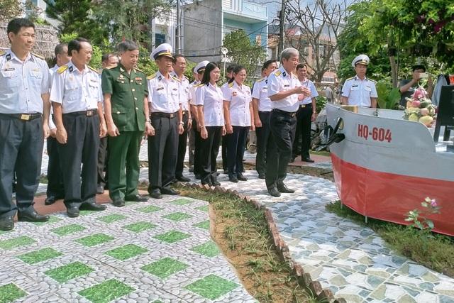 Xúc động lễ giỗ chung của 64 liệt sĩ Gạc Ma - 2