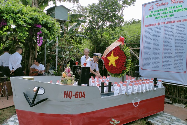 Xúc động lễ giỗ chung của 64 liệt sĩ Gạc Ma - 4