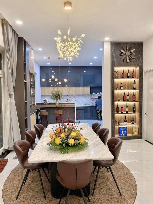Chàng trai Bình Thuận chi gần 7 tỷ đồng để xây biệt thự tặng cha mẹ - 2