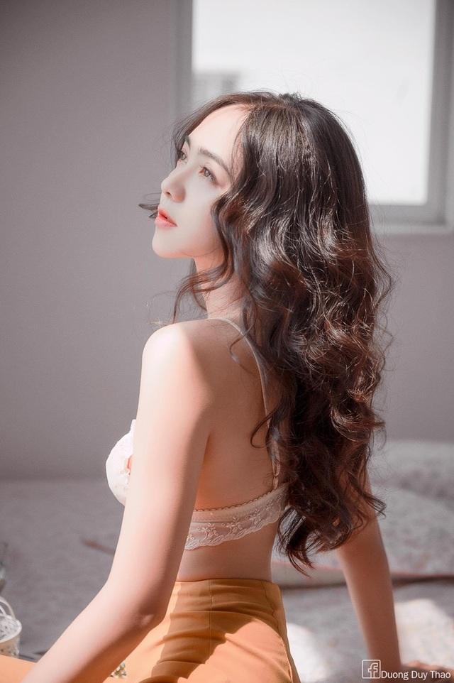 Hot girl 9X đẹp gợi cảm: Độc thân để biết yêu chính mình - 3