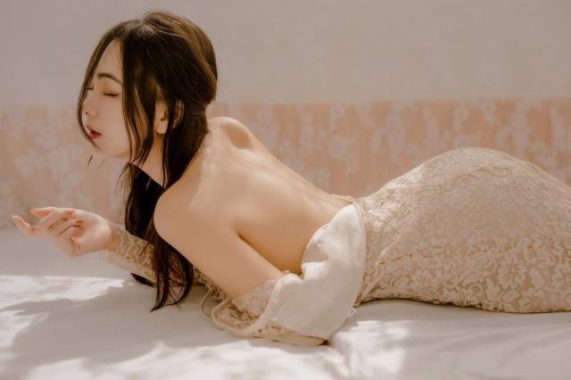 Hot girl 9X đẹp gợi cảm: Độc thân để biết yêu chính mình - 7