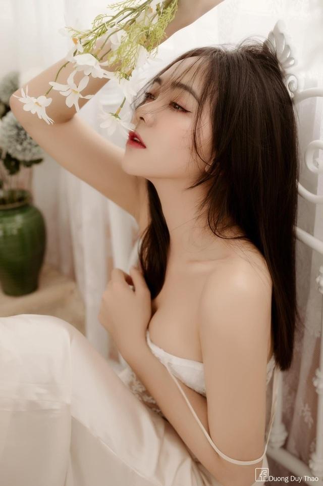 Hot girl 9X đẹp gợi cảm: Độc thân để biết yêu chính mình - 10