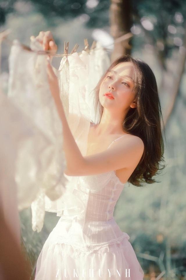 Hot girl 9X đẹp gợi cảm: Độc thân để biết yêu chính mình - 15