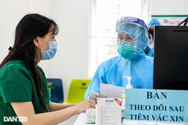 16 tỉnh, thành đã tiêm vắc xin Covid-19 cho gần 34.000 người - 2
