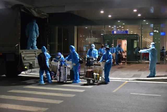 Tiếp nhận cách ly phòng dịch Covid-19 hơn 370 công dân về từ Hàn Quốc - 1