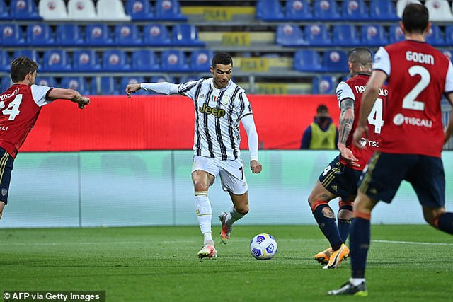 C.Ronaldo lập hat-trick chớp nhoáng, Juventus đại thắng rực rỡ - 4