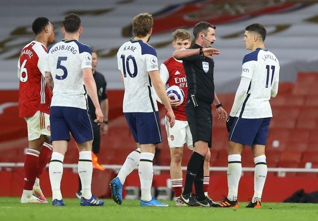 Arsenal 2-1 Tottenham: Lamela lập siêu phẩm Rabona và bị đuổi - 5