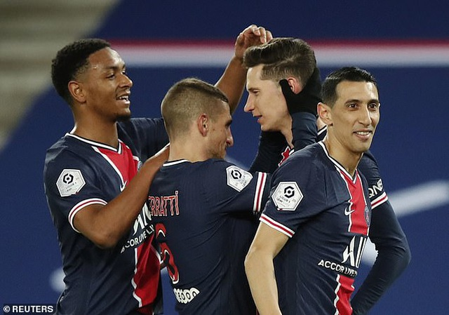 Mbappe mắc sai lầm khiến PSG bại trận - 1