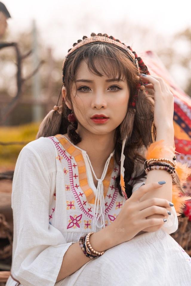 Hồn nhiên và phóng khoáng, cô gái 19 tuổi gây ấn tượng với bộ ảnh Bohemian - 1