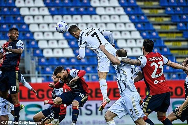 HLV Zidane tiếp tục úp mở việc C.Ronaldo gia nhập Real Madrid - 2