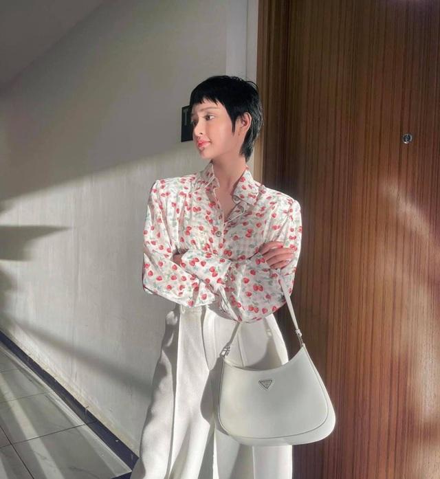 Trần Tiểu Vy, Lương Thùy Linh diện đồ gợi cảm hút ánh nhìn