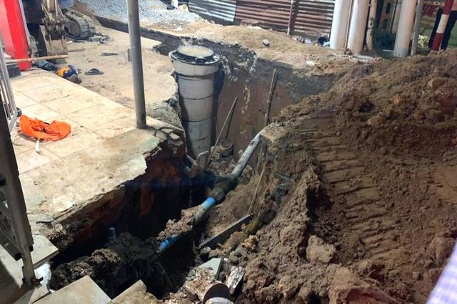 Sập công trình đường ống thoát nước, 1 người chết, 1 người bị thương - 2