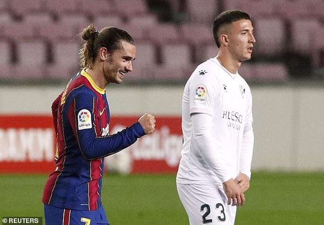 Messi lập cú đúp, Barcelona bám đuổi quyết liệt Atletico - 2