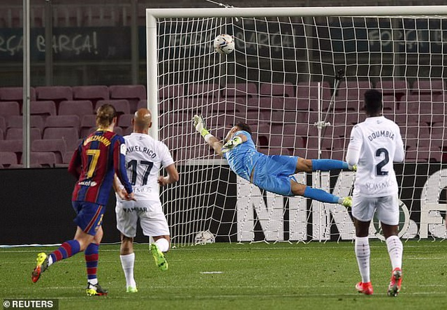Messi lập cú đúp, Barcelona bám đuổi quyết liệt Atletico - 6