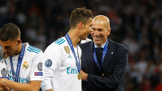 HLV Zidane tiếp tục úp mở việc C.Ronaldo gia nhập Real Madrid - 1