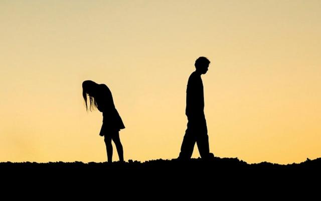 9 cách giúp bạn bước tiếp khi vẫn còn vương vấn người cũ - 1