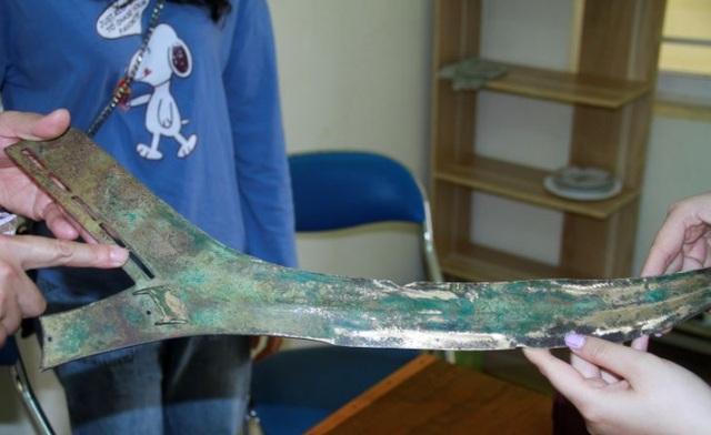 Hiện vật nghi vũ khí cổ được phát hiện gần nơi diễn ra Hội thề Lũng Nhai - 2
