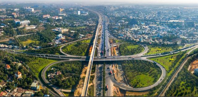 Hàng loạt dự án giao thông khủng, hút nhà đầu tư vào Đồng Nai - 1