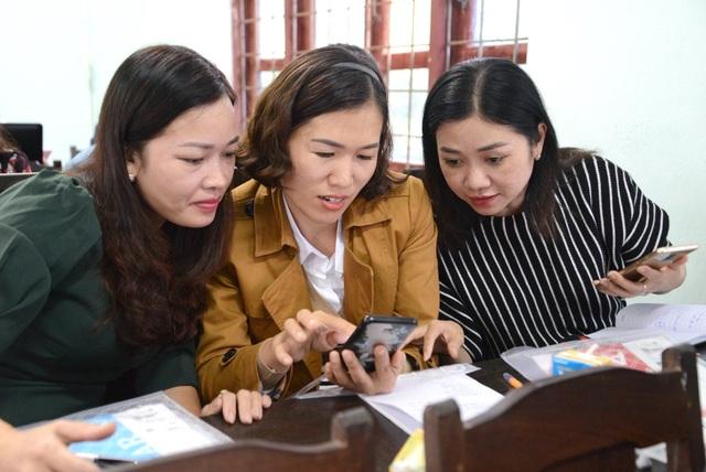 Bồi dưỡng giáo viên Chương trình phổ thông mới: Học cả trên Zalo, Facebook - 1