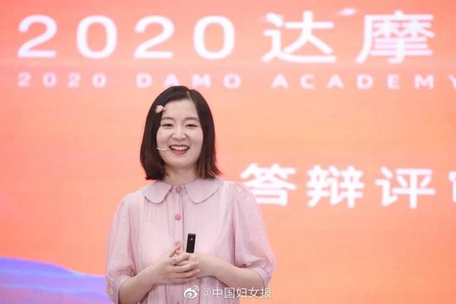 Đằng sau sự ưu tú của cô gái 9X được Alibaba trao 1 triệu tệ tiền thưởng? - 1