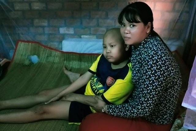 Chàng trai mắc bệnh hiểm nghèo: Con chết mẹ không có tiền mua quan tài đâu - 8