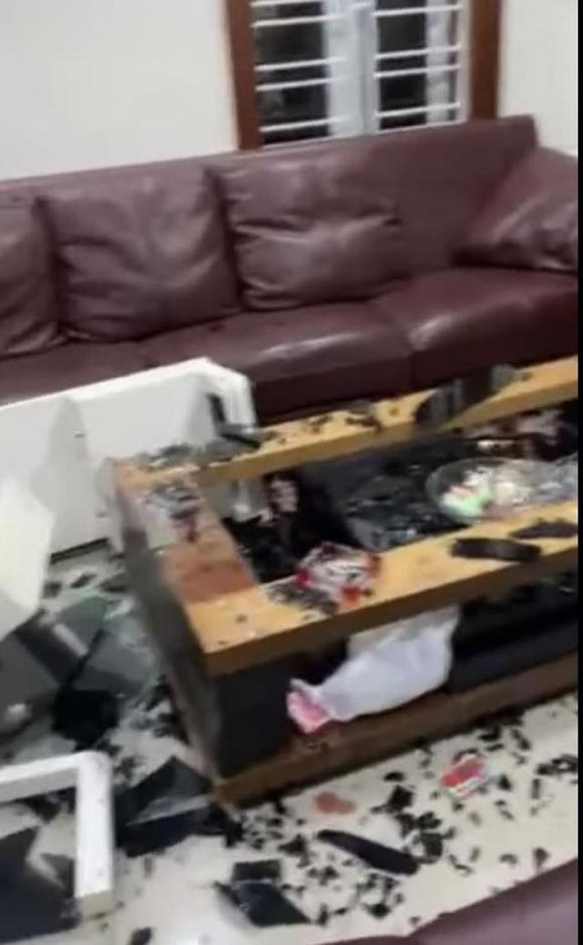 Quế Vân tung clip tố bạn trai đập phá nhà cửa, bỏ đi vì người phụ nữ khác - 1