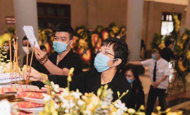 Xúc động dàn nghệ sĩ động viên NSND Minh Hằng vượt qua nỗi đau mất chồng - 2
