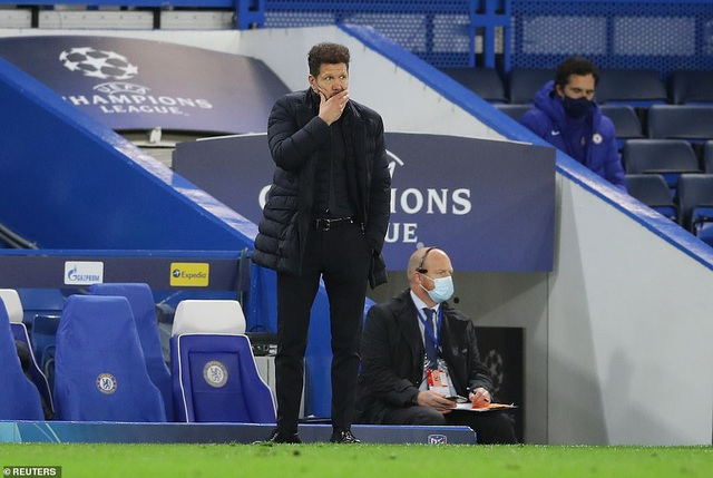 Luis Suarez thi đấu thảm họa trong ngày Atletico thua Chelsea - 8