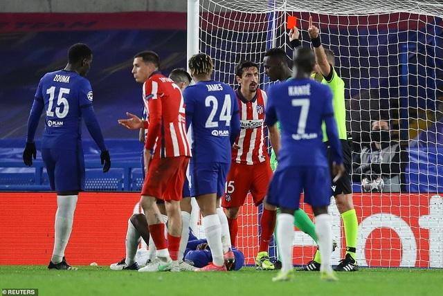 Luis Suarez thi đấu thảm họa trong ngày Atletico thua Chelsea - 7