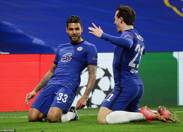 Luis Suarez thi đấu thảm họa trong ngày Atletico thua Chelsea - 10