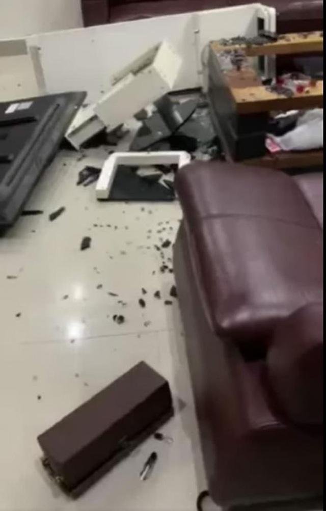 Quế Vân tung clip tố bạn trai đập phá nhà cửa, bỏ đi vì người phụ nữ khác - 2