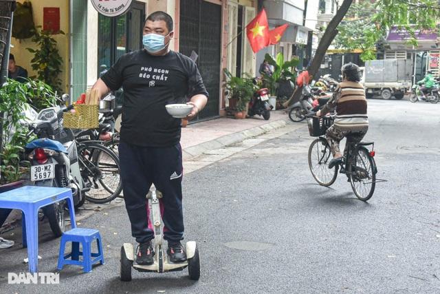 Quán phở Hà Nội ngày bán trăm bát nhờ màn giao hàng có một không hai - 4