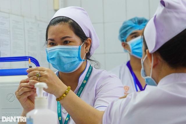 Không ca mắc mới Covid-19, hơn 27 nghìn người được tiêm vắc xin an toàn - 1