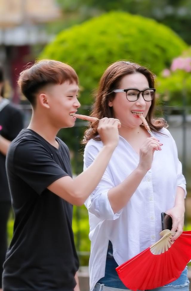 Trước khi ra riêng, cuộc sống của Hồ Văn Cường bên mẹ Phi Nhung ra sao? - 3