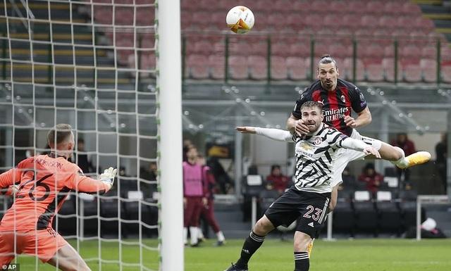 Những khoảnh khắc Man Utd khiến AC Milan ngậm ngùi chia tay Europa League - 13