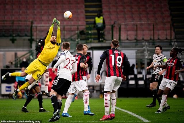 Những khoảnh khắc Man Utd khiến AC Milan ngậm ngùi chia tay Europa League - 8