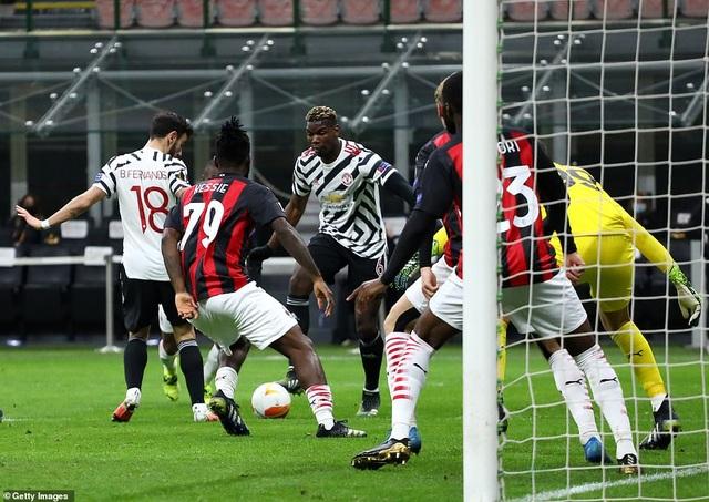 Những khoảnh khắc Man Utd khiến AC Milan ngậm ngùi chia tay Europa League - 11
