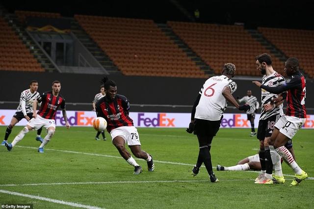 Những khoảnh khắc Man Utd khiến AC Milan ngậm ngùi chia tay Europa League - 10