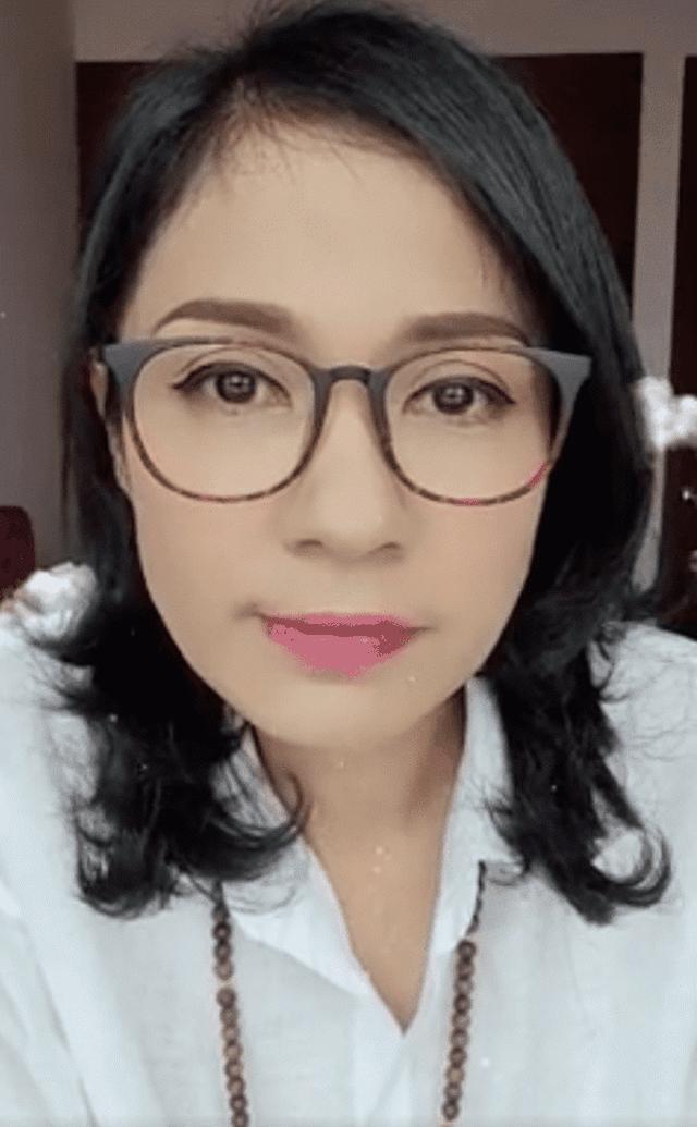 Diễn viên Việt Trinh bức xúc khi bị mỉa mai bán hàng từ thiện để câu view - 1