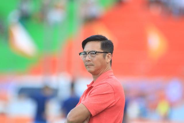 HLV Huỳnh Đức thấy mình thiệt thòi so với... Mourinho, Guardiola - 1