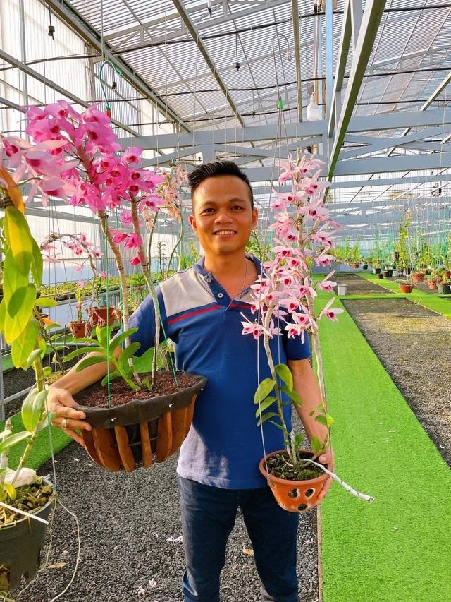 Nghệ nhân Trịnh Đình Lộc chia sẻ bí kíp cứu hoa lan khỏi sâu bệnh - 1