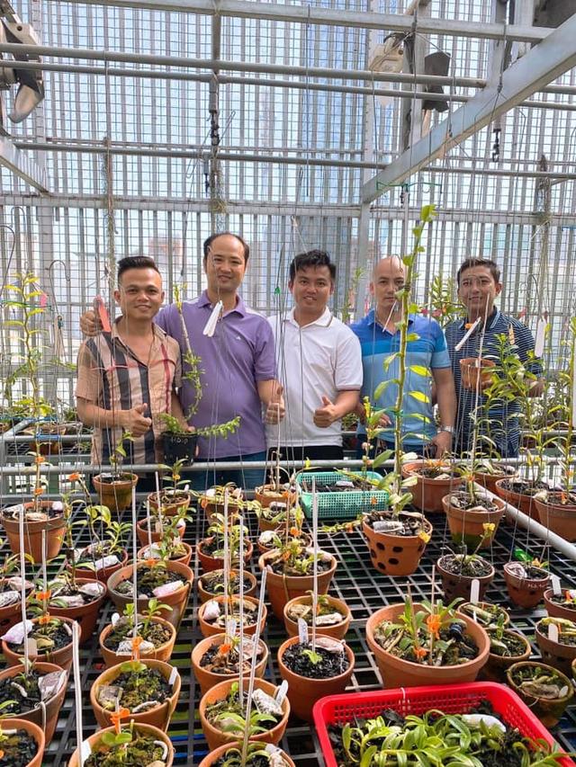 Nghệ nhân Trịnh Đình Lộc chia sẻ bí kíp cứu hoa lan khỏi sâu bệnh - 5
