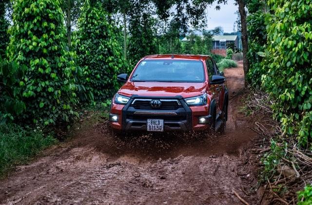 Toyota Hilux - xe bán tải khiến người Thái phát cuồng và khách Việt ngày càng chuộng - 2