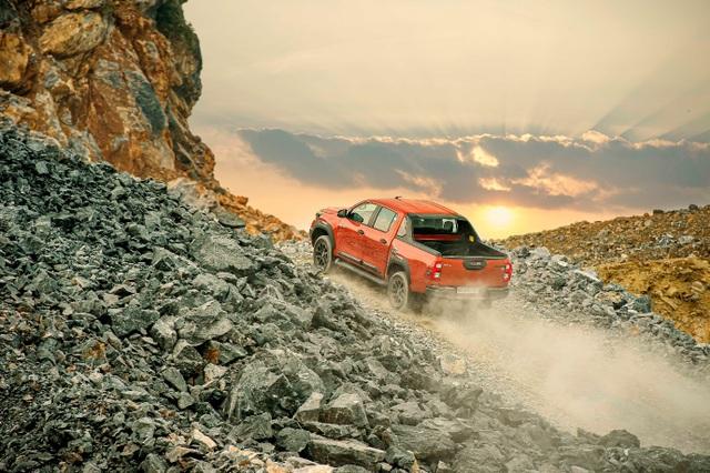 Toyota Hilux - xe bán tải khiến người Thái phát cuồng và khách Việt ngày càng chuộng - 5