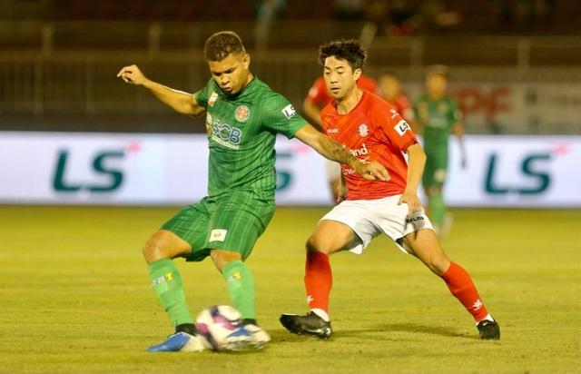 Sốt vé xem Lee Nguyễn đối đầu với Quang Hải ở sân Thống Nhất - 2