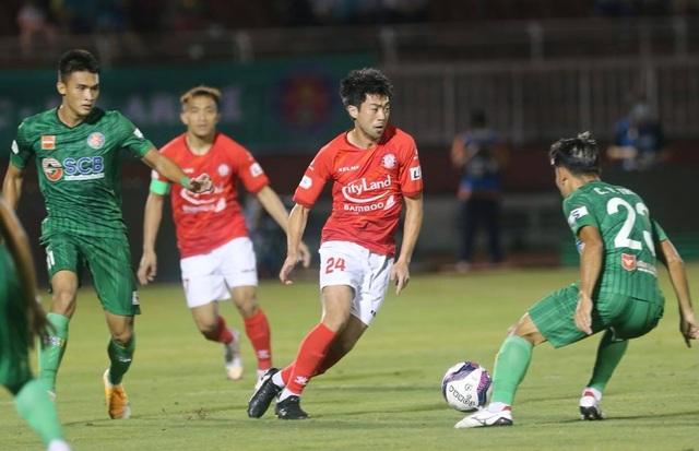 Sốt vé xem Lee Nguyễn đối đầu với Quang Hải ở sân Thống Nhất - 1