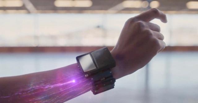Facebook khoe đã tự phát triển được vòng đeo tay thông minh - 1